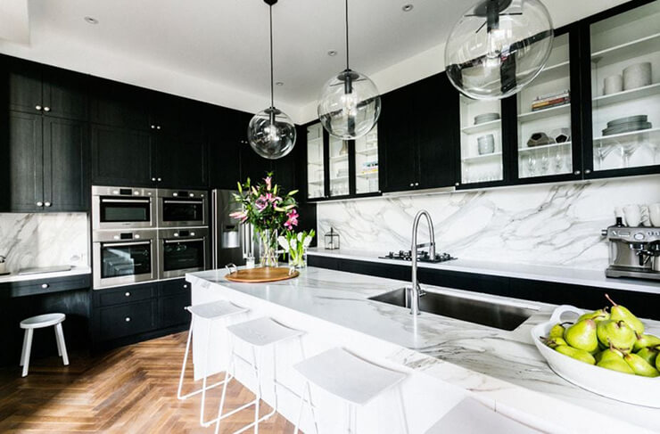 Monochrome kitchen with marble