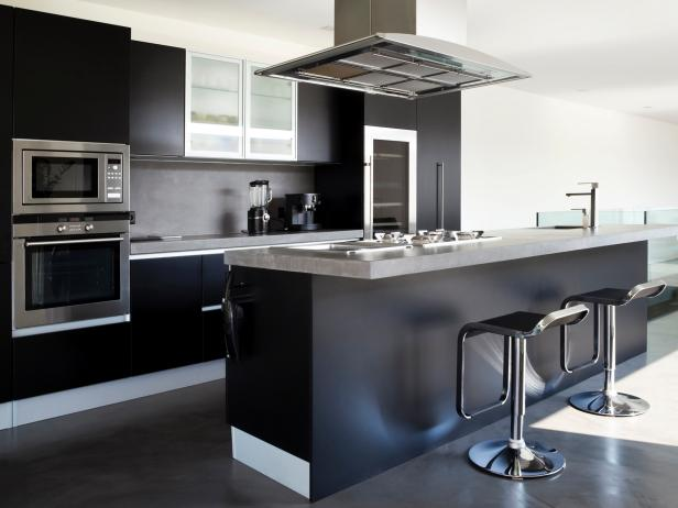 Monochromatic Kitchen black